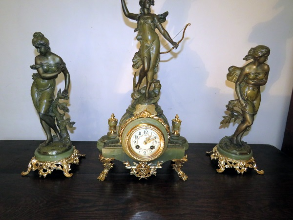 Diana garniture set art Nouveau