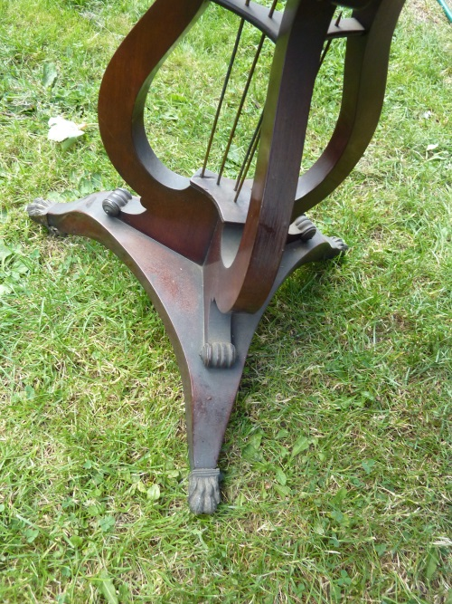 lyre shaped base of work table for restoration